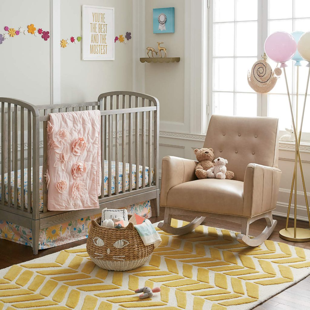 Déco tapis bébé à motifs beige et jaune
